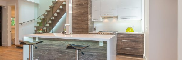 Custom Laminate and High Gloss Kitchen – Toronto Danforth